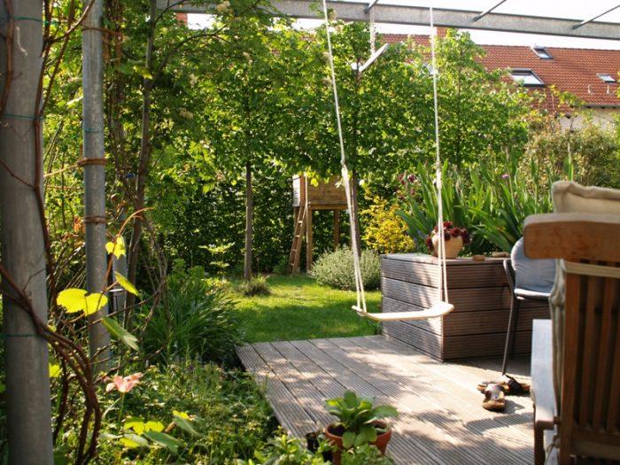 reihenhausgarten mit viel privatsph re gartengestaltung. Black Bedroom Furniture Sets. Home Design Ideas