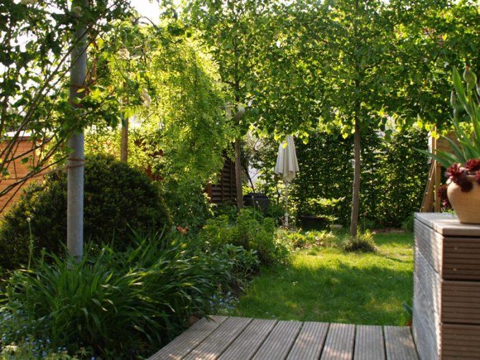 reihenhausgarten mit viel privatsphäre | gartengestaltung, Gartenarbeit ideen